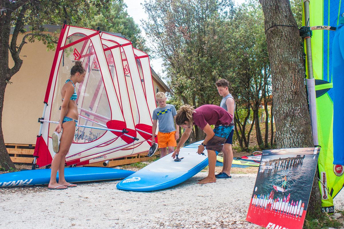 Croatia, Istria, Istrien, Sailing, Windsurf, SUP, Kayak, School, Tours, Bike Shop, Center, Watersports, Camping Mon Perin, Bale, Sunset Beach Club